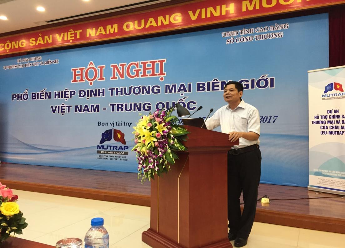 hoi nghi thuong mai Viet Trung pham van truong