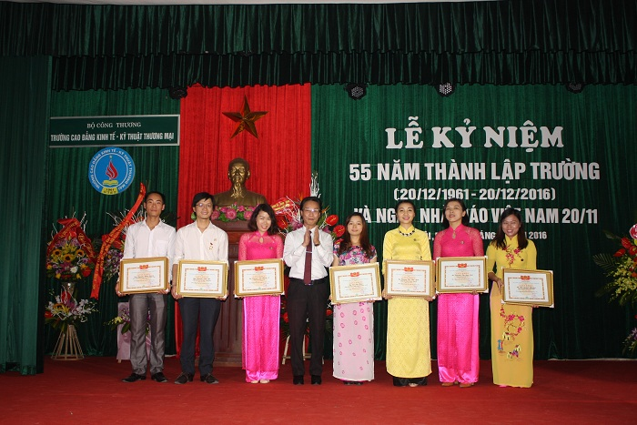 55 thanh lap truong 10