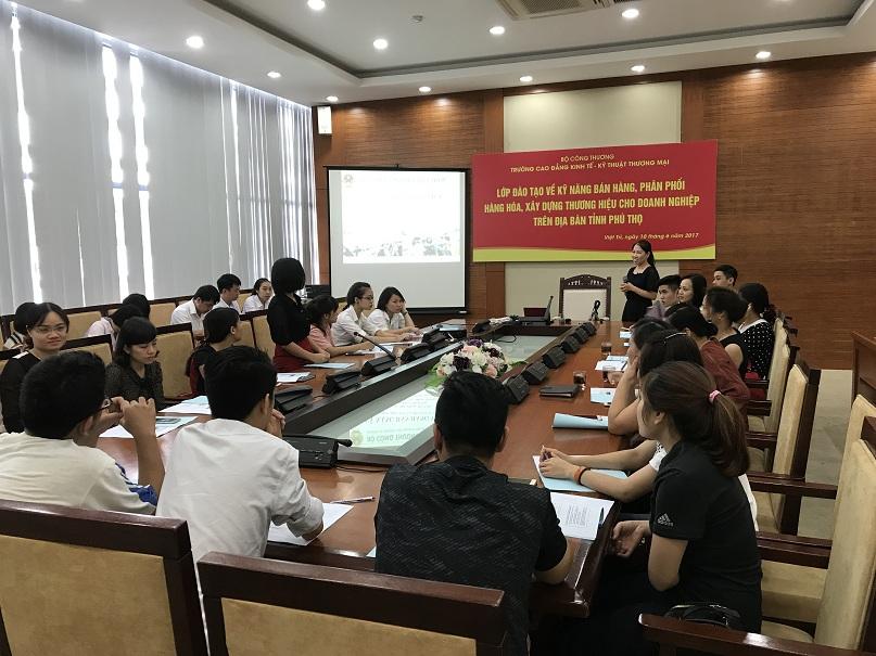 Lớp Đào Tạo Kỹ Năng Bán Hàng Việt Tại Phú Thọ